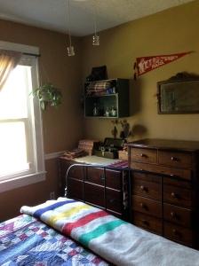 Vintage-Travel Inspired Bedroom